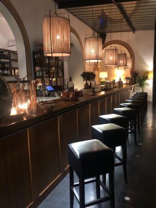 Flow Restaurant and Bar
