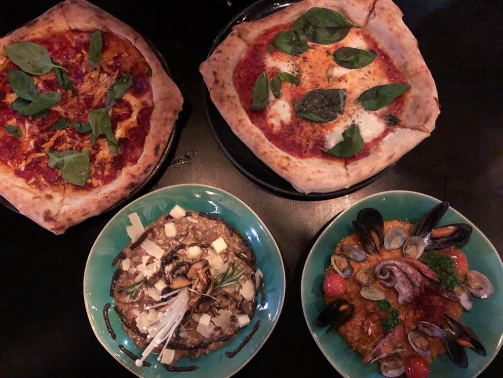 Pizzas napolitanas e Risottos