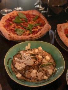Pizza napolitana e Risotto de Funghi e Tartufo con Taleggio