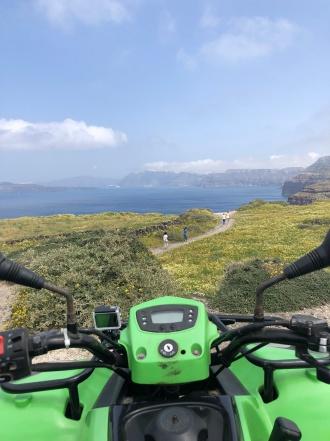 Moto 4 em Santorini